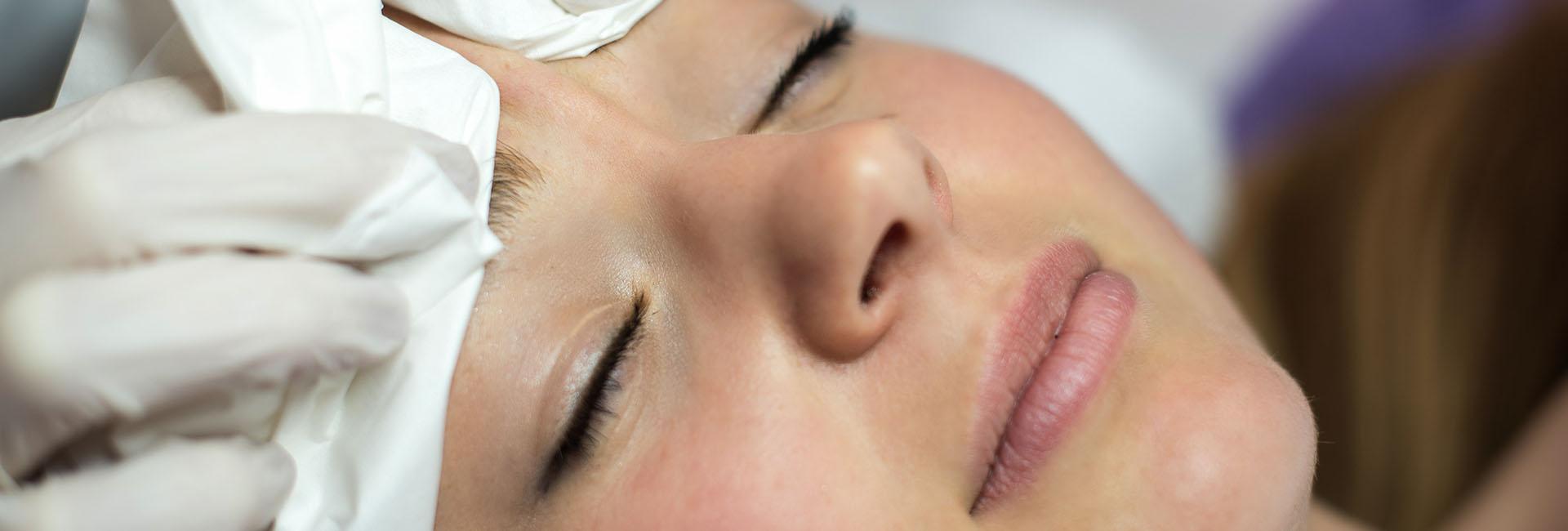 Tisztító kezelés szeborreás bőrökre